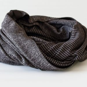 Lululemon vinyasa infinity scarf 2013 mini pique